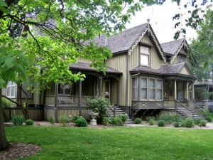"A recent photo of the Frances Willard House Museum, a gothic revival house in Evanston, IL. Note the two staircases; the one on the left leads to the 1865 portion of the home; the one on the right leads to ""the Annex."" Photo by Teemu008, creative commons license: https://flic.kr/p/cc7v8j"