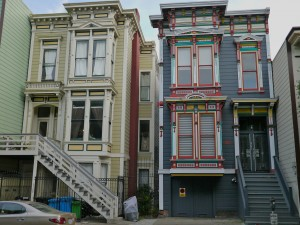 Houses in the Mission District of San Francisco. Source: Photo by mari.francille, http://www.flickr.com/photos/francille/6200964616/, CC BY 2.0, https://creativecommons.org/licenses/by/2.0/legalcode.